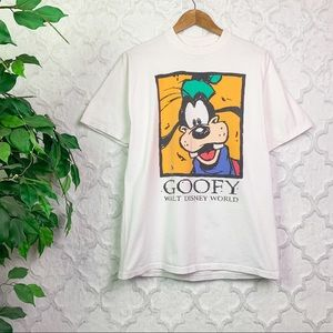Vintage Walt Disney World Goofy Graphic Tee Shirt
